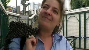 Maman mature salope qui n'a pas baisé depuis longtemps